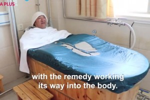 Traditional bathing therapy dazzles in Tibet