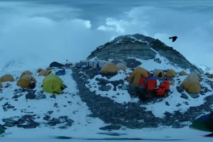 Exclusive VR video: Mt. Qomolangma advance camp at height of 6,500 meters