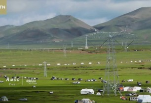 Roof of the world: Horse Racing Festival