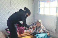 Grassroots medics battle harsh working conditions