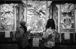 Thangka artist enriches community by passing on heritage to youths