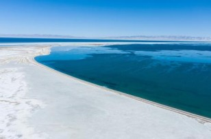 China's largest saltwater lake sees increased area
