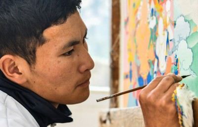 Training of painting Thangka aids poverty-relief in Qamdo