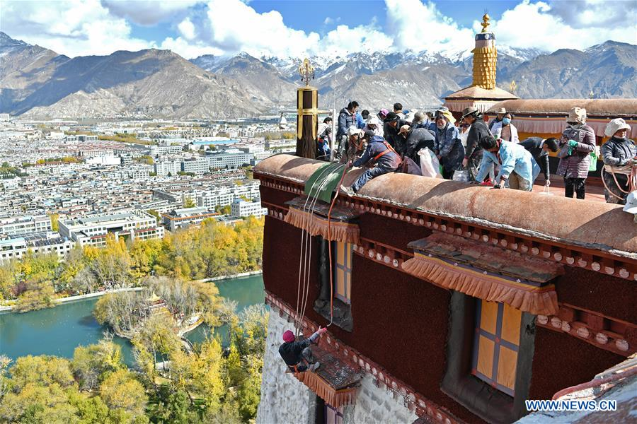 In pics: annual renovation of Potala Palace in Lhasa