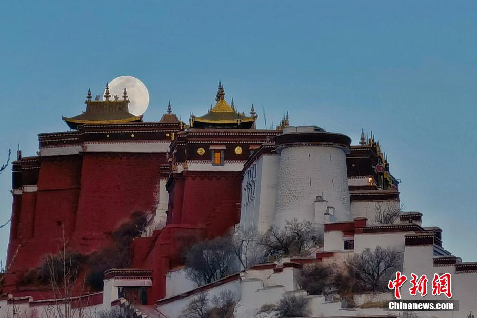 Full moon night in ancient city Lhasa