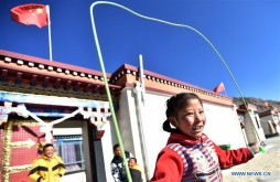 Living environment of relocated people improved in Tibet, China