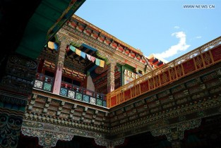 Cultural exchanges help shape unique style of Dobbar's local residences in Tibet (II)