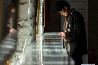 Pic story: 20-year-old Tibetan herder becomes internet celebrity (I)
