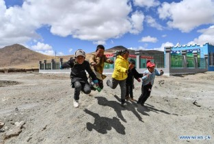 Tibet accomplishes historical feat of eradicating absolute poverty
